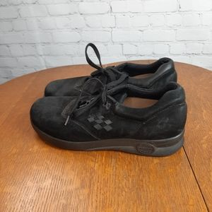 Supremes by Soft Spot Black Comfy Walking Shoes 7